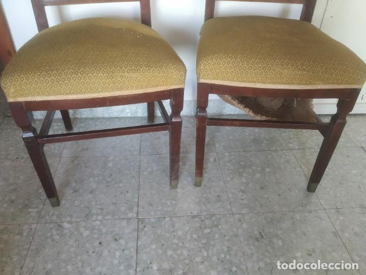 Antigüedades: Antigua pareja de sillas de madera tapizada. Altura asiento: 46 cm. Ancho: 43 cm. Fondo 41 cm - Foto 8 - 287936578