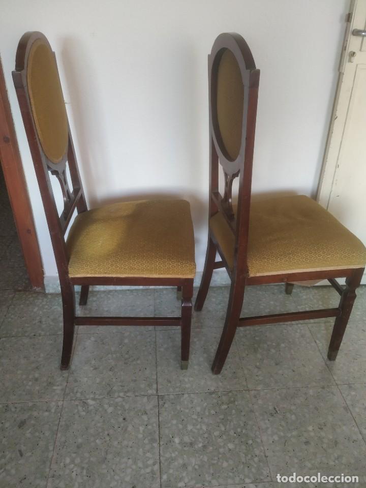 Antigüedades: Antigua pareja de sillas de madera tapizada. Altura asiento: 46 cm. Ancho: 43 cm. Fondo 41 cm - Foto 9 - 287936578