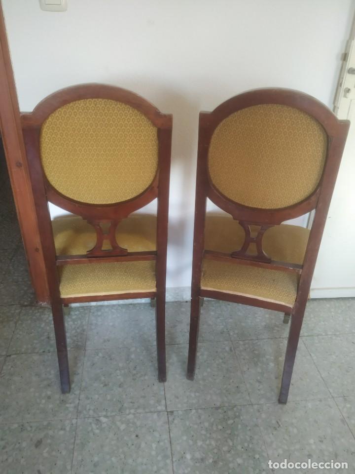 Antigüedades: Antigua pareja de sillas de madera tapizada. Altura asiento: 46 cm. Ancho: 43 cm. Fondo 41 cm - Foto 10 - 287936578