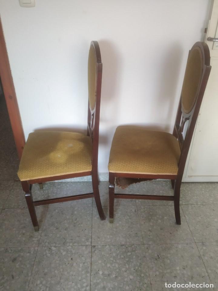 Antigüedades: Antigua pareja de sillas de madera tapizada. Altura asiento: 46 cm. Ancho: 43 cm. Fondo 41 cm - Foto 11 - 287936578