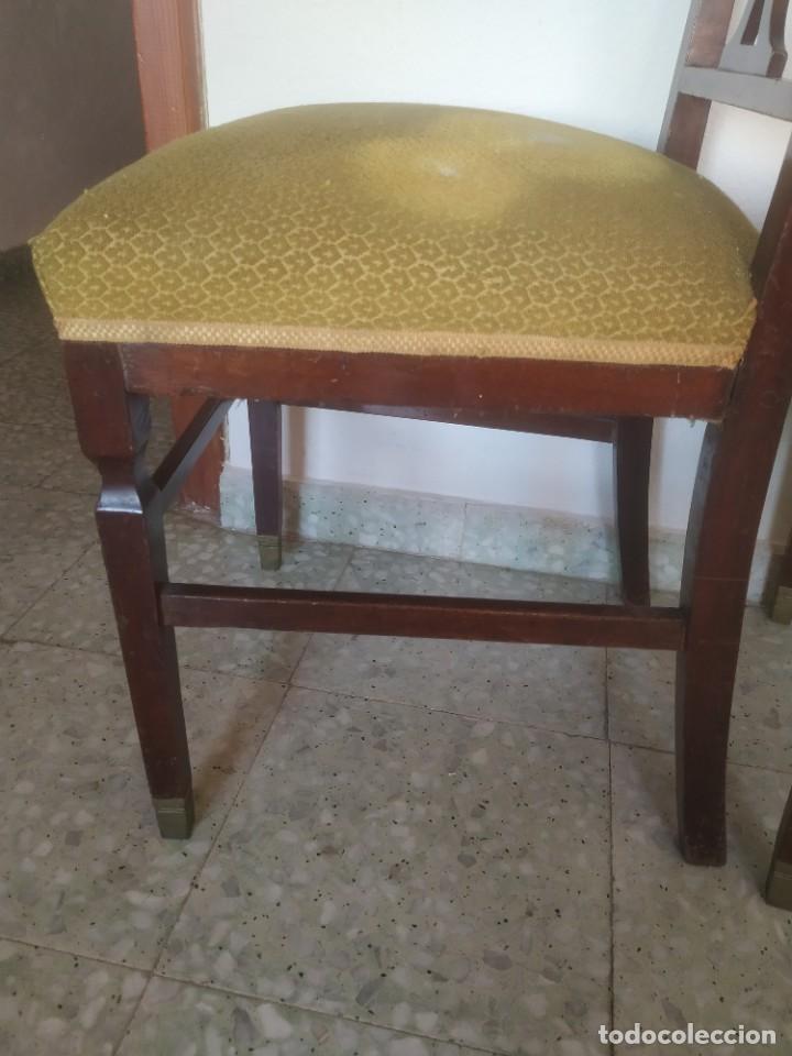 Antigüedades: Antigua pareja de sillas de madera tapizada. Altura asiento: 46 cm. Ancho: 43 cm. Fondo 41 cm - Foto 13 - 287936578