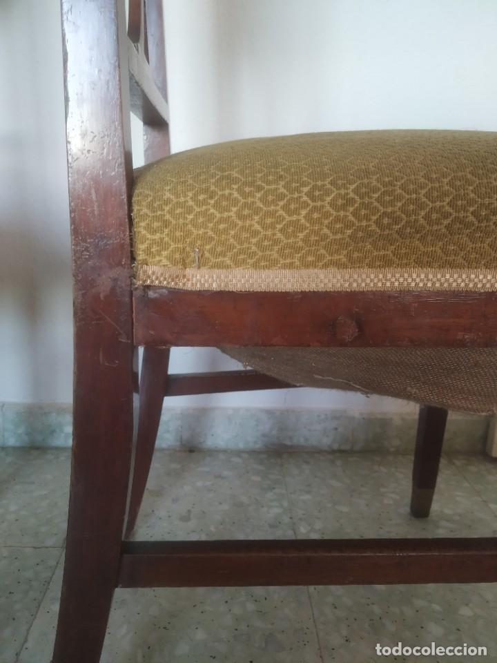 Antigüedades: Antigua pareja de sillas de madera tapizada. Altura asiento: 46 cm. Ancho: 43 cm. Fondo 41 cm - Foto 19 - 287936578