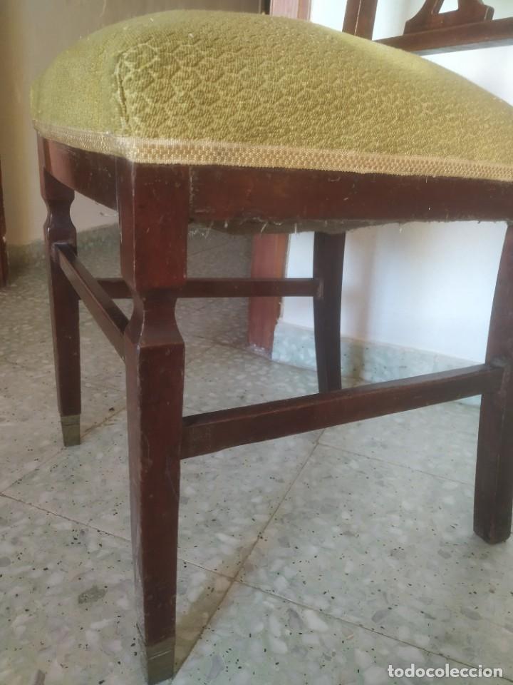 Antigüedades: Antigua pareja de sillas de madera tapizada. Altura asiento: 46 cm. Ancho: 43 cm. Fondo 41 cm - Foto 21 - 287936578