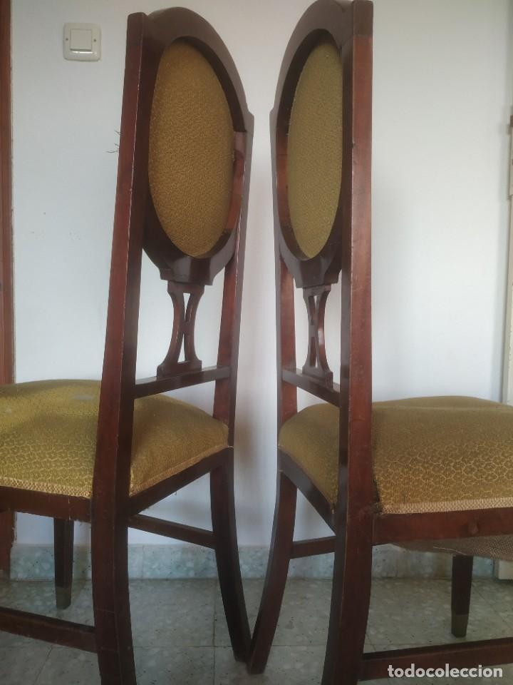 Antigüedades: Antigua pareja de sillas de madera tapizada. Altura asiento: 46 cm. Ancho: 43 cm. Fondo 41 cm - Foto 23 - 287936578