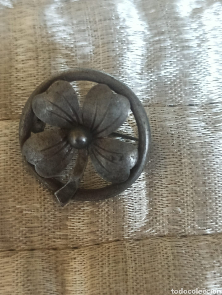 Antigüedades: Antiguo broche metal plateado siglo XIX - Foto 3 - 287952018