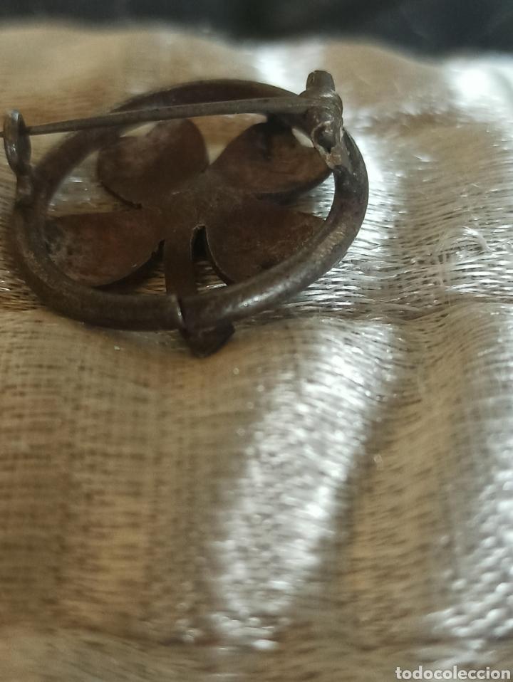 Antigüedades: Antiguo broche metal plateado siglo XIX - Foto 5 - 287952018