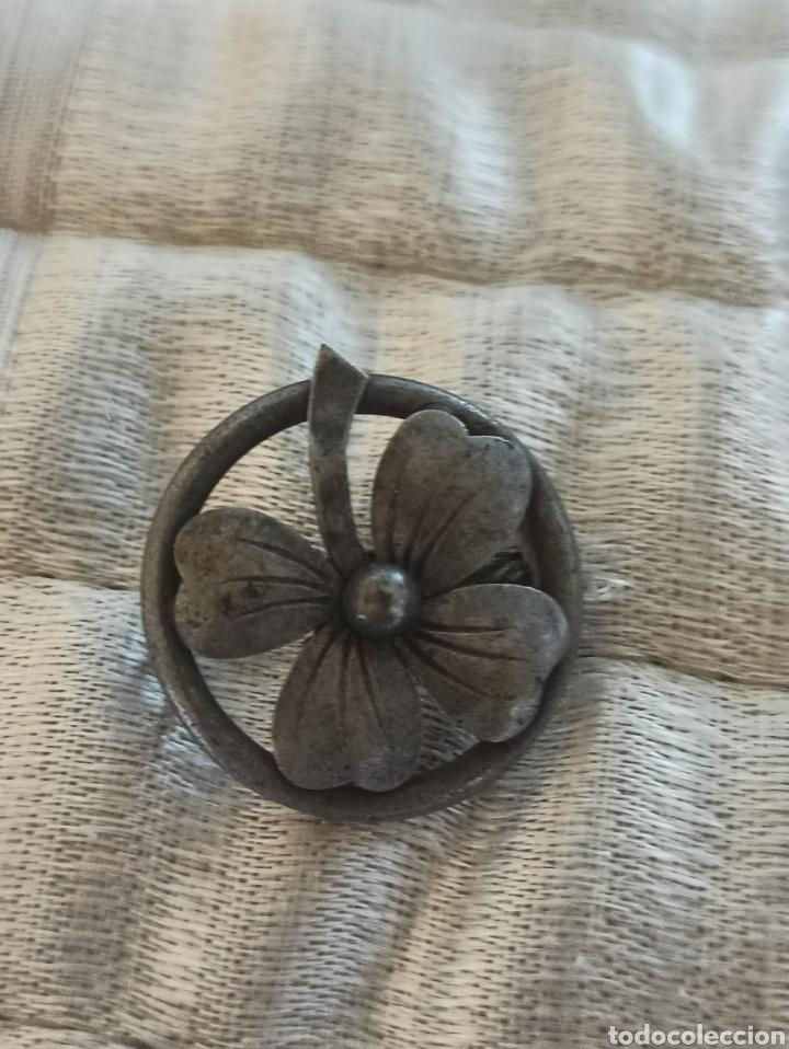Antigüedades: Antiguo broche metal plateado siglo XIX - Foto 7 - 287952018