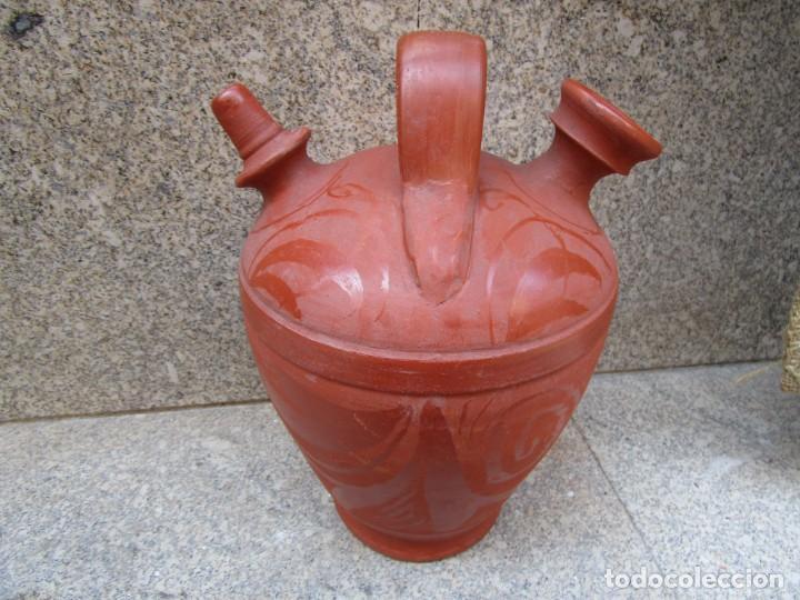 BOTIJO CLASICO BARRO ROJIZO DE APROX 2.5 L, 30X20CM 1.5KG, APROX 1960 + INFO (Antigüedades - Porcelanas y Cerámicas - Otras)