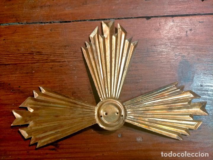 Antigüedades: Antigua corona / aureola de latón para figura niño Jesús años 40-50 - Foto 2 - 287957178