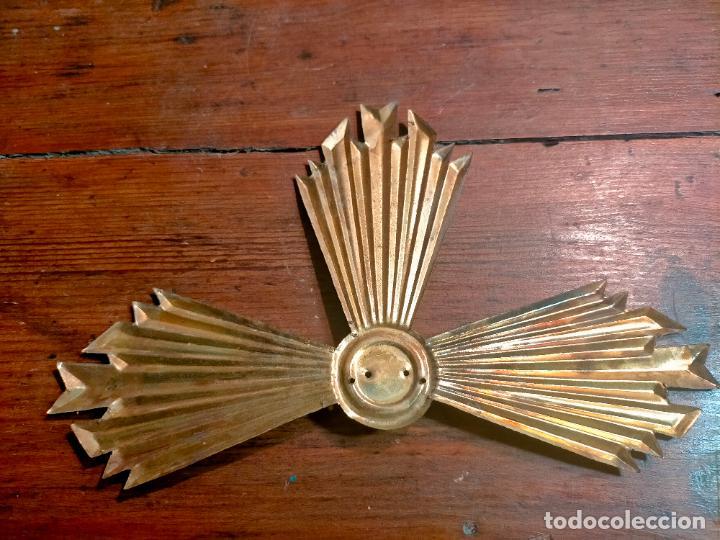 Antigüedades: Antigua corona / aureola de latón para figura niño Jesús años 40-50 - Foto 4 - 287957178
