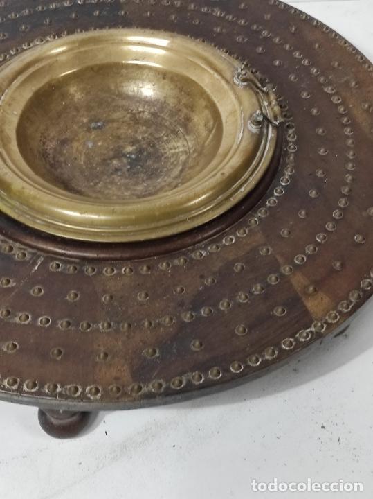 Antigüedades: Antigua Mesa Brasero - Madera de Nogal - Brasero en Bronce - S. XVIII - Foto 4 - 287979923