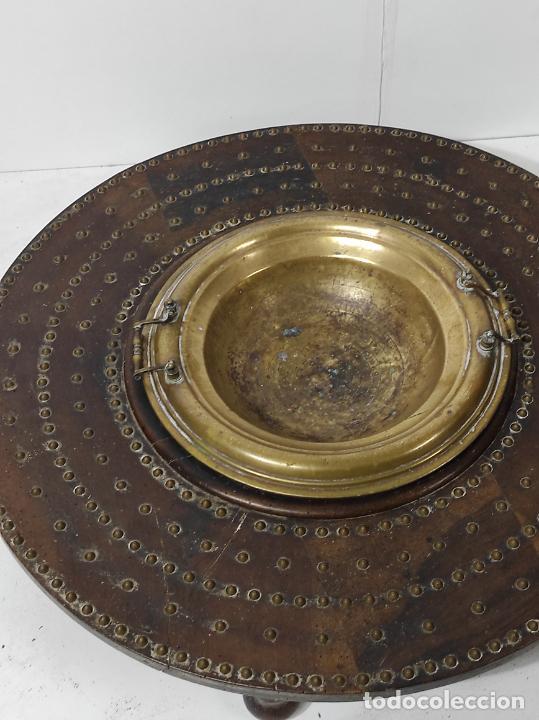 Antigüedades: Antigua Mesa Brasero - Madera de Nogal - Brasero en Bronce - S. XVIII - Foto 6 - 287979923