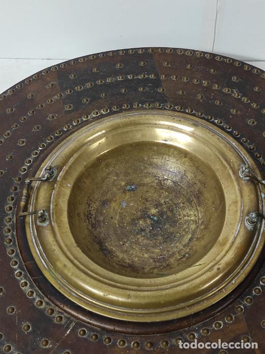 Antigüedades: Antigua Mesa Brasero - Madera de Nogal - Brasero en Bronce - S. XVIII - Foto 7 - 287979923