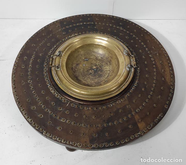 Antigüedades: Antigua Mesa Brasero - Madera de Nogal - Brasero en Bronce - S. XVIII - Foto 11 - 287979923