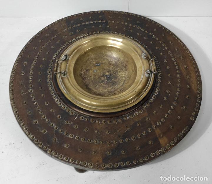 ANTIGUA MESA BRASERO - MADERA DE NOGAL - BRASERO EN BRONCE - S. XVIII (Antigüedades - Muebles Antiguos - Mesas Antiguas)