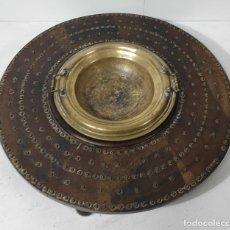 Antigüedades: ANTIGUA MESA BRASERO - MADERA DE NOGAL - BRASERO EN BRONCE - S. XVIII. Lote 287979923