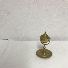 Antigüedades: QUINQUE DE ACEITE DE BRONCE, MUY DECORATIVO!. Lote 287985148