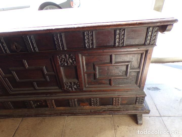 Antigüedades: antiguo arcon de madera caja de novia catalana lerida o tarragona cuarterones en buen estado general - Foto 5 - 287998663