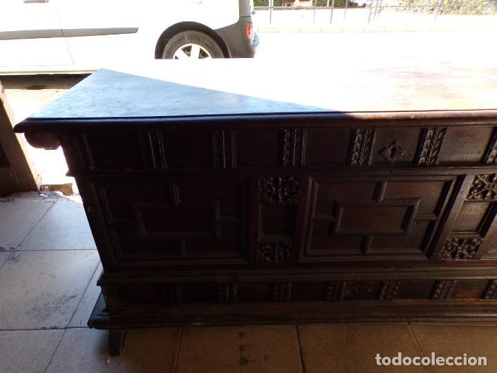 Antigüedades: antiguo arcon de madera caja de novia catalana lerida o tarragona cuarterones en buen estado general - Foto 6 - 287998663