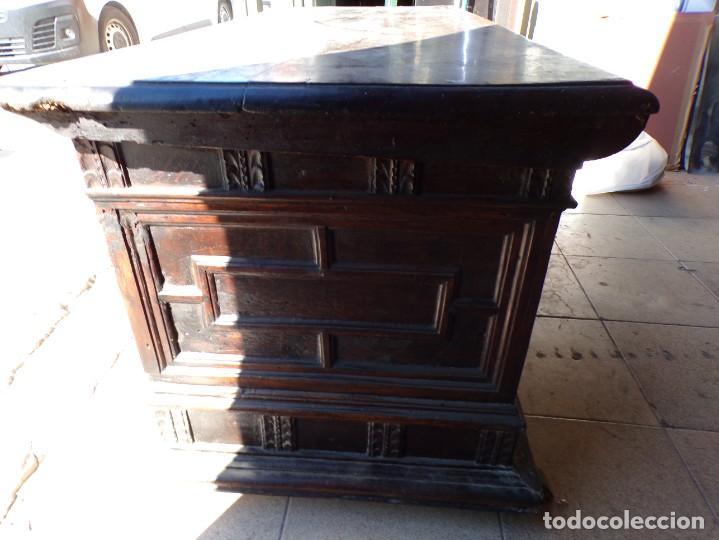 Antigüedades: antiguo arcon de madera caja de novia catalana lerida o tarragona cuarterones en buen estado general - Foto 13 - 287998663
