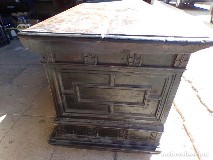 Antigüedades: antiguo arcon de madera caja de novia catalana lerida o tarragona cuarterones en buen estado general - Foto 15 - 287998663