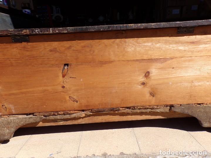 Antigüedades: antiguo arcon de madera caja de novia catalana lerida o tarragona cuarterones en buen estado general - Foto 18 - 287998663
