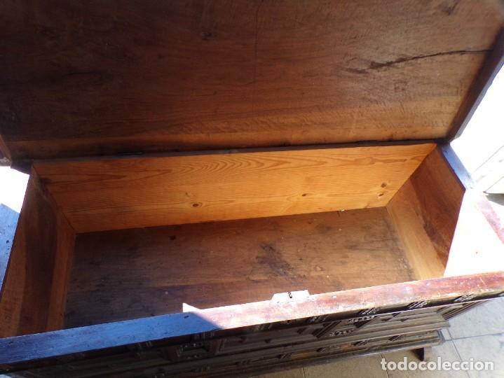 Antigüedades: antiguo arcon de madera caja de novia catalana lerida o tarragona cuarterones en buen estado general - Foto 24 - 287998663