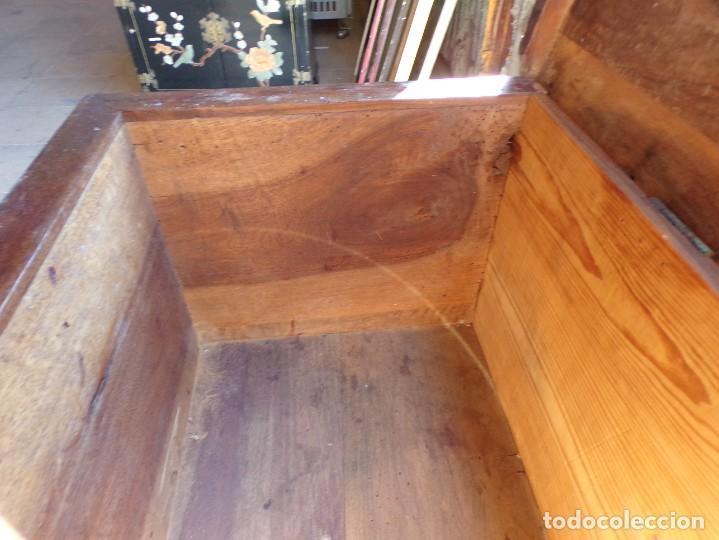 Antigüedades: antiguo arcon de madera caja de novia catalana lerida o tarragona cuarterones en buen estado general - Foto 27 - 287998663