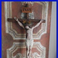 Antigüedades: CRISTO EN LA CRUZ DE LOS TALLERES DE OLOT PERFECTO ESTADO. Lote 288014888