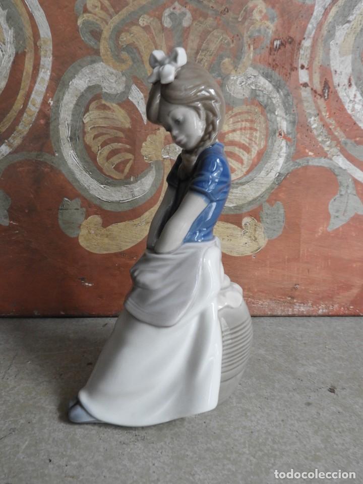 Antigüedades: FIGURA DE PORCELANA NAO LLADRO DE UNA NIÑA - Foto 2 - 288015068