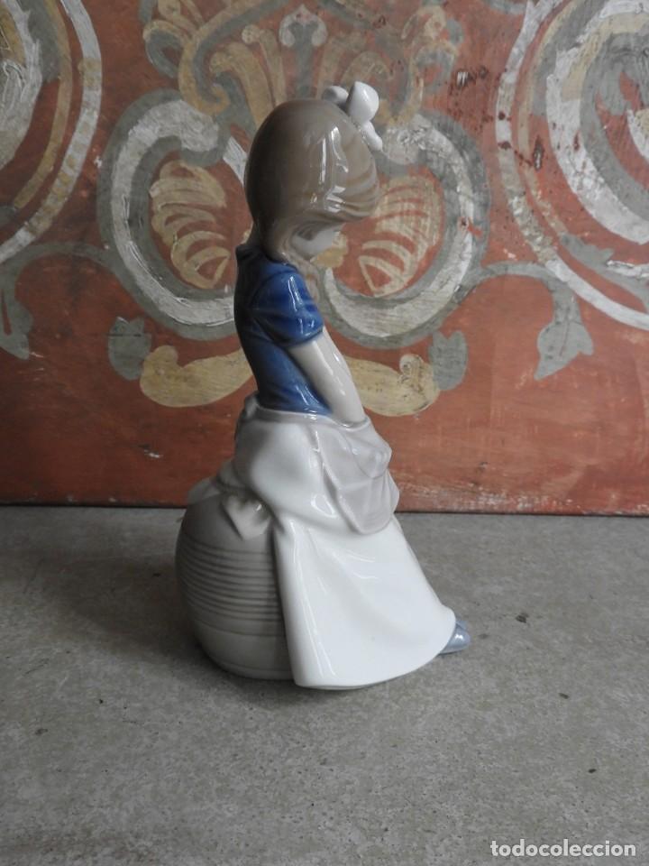 Antigüedades: FIGURA DE PORCELANA NAO LLADRO DE UNA NIÑA - Foto 4 - 288015068