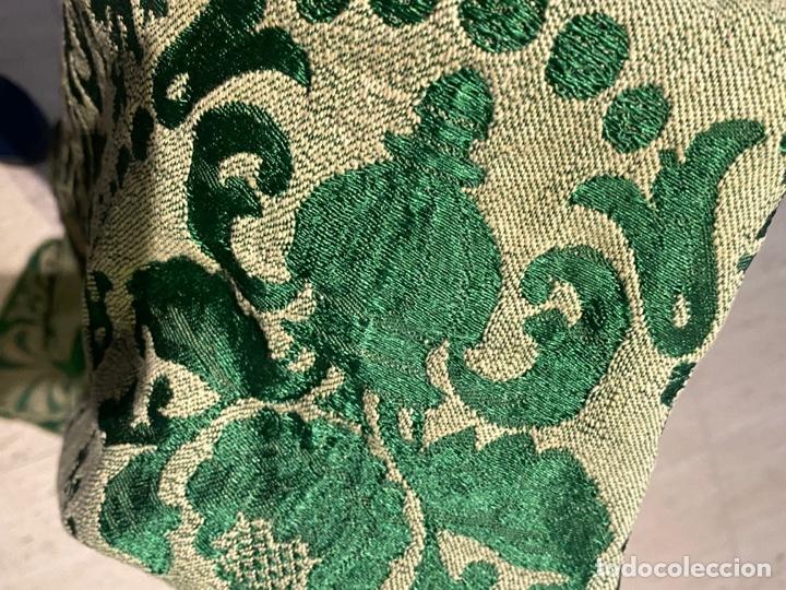 Antigüedades: Antiguo mantel de mesa verde con dos caras con detalles florales bordados . Ver fotos - Foto 12 - 288062058