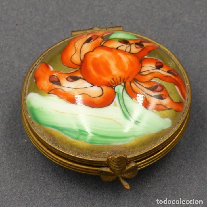 Antigüedades: Art Nouveau. Pastillero pequeño de porcelana de Limoges Francia. 1900 - 1920 - Foto 5 - 288396593