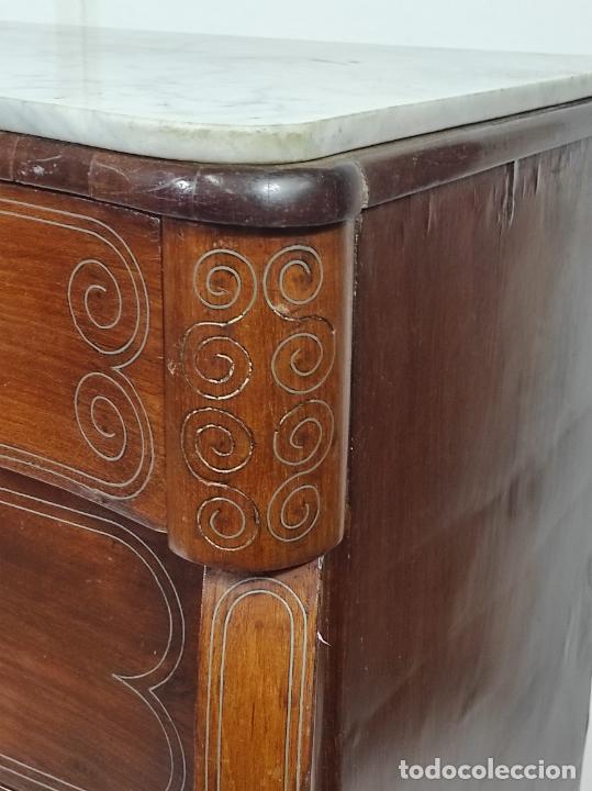 Antigüedades: Cómoda Isabelina - Madera de Caoba - Marquetería en Zinc - S. XIX - Foto 10 - 288430973