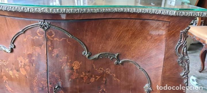 Antigüedades: COMODA EN MADERA DE CHICARANDA. MARQUETERIA DE BOJ. ESTILO LUIS XV. CIRCA 1940. - Foto 10 - 288454298