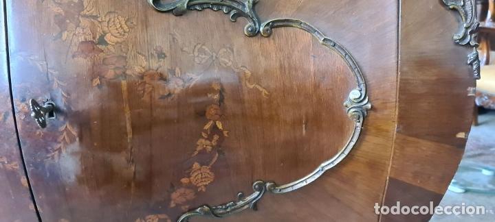 Antigüedades: COMODA EN MADERA DE CHICARANDA. MARQUETERIA DE BOJ. ESTILO LUIS XV. CIRCA 1940. - Foto 14 - 288454298