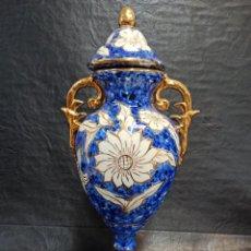 Antigüedades: BELLO JARRÓN CON DECORACIÓN FLORAL. AZUL Y BLANCO. V4. Lote 288468983