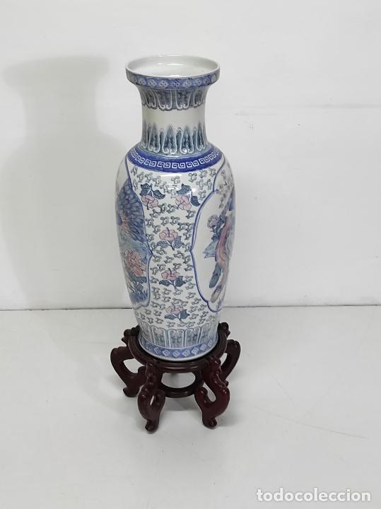 Antigüedades: Gran Jarrón Chino - Porcelana Azul y Rosa - Con Peana - Altura Total 101 cm - Foto 10 - 288486033