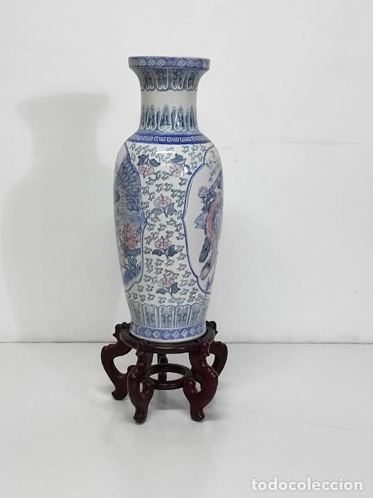 Antigüedades: Gran Jarrón Chino - Porcelana Azul y Rosa - Con Peana - Altura Total 101 cm - Foto 12 - 288486033