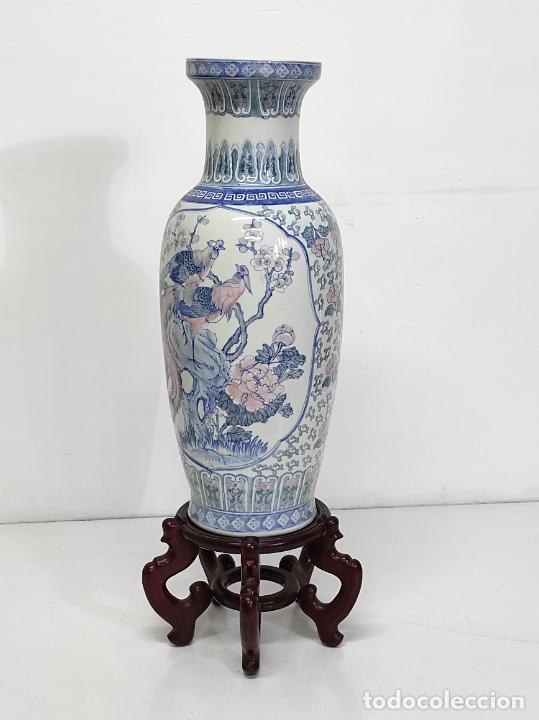 Antigüedades: Gran Jarrón Chino - Porcelana Azul y Rosa - Con Peana - Altura Total 101 cm - Foto 19 - 288486033