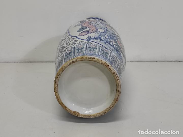 Antigüedades: Gran Jarrón Chino - Porcelana Azul y Rosa - Con Peana - Altura Total 101 cm - Foto 21 - 288486033