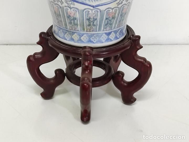 Antigüedades: Gran Jarrón Chino - Porcelana Azul y Rosa - Con Peana - Altura Total 101 cm - Foto 23 - 288486033