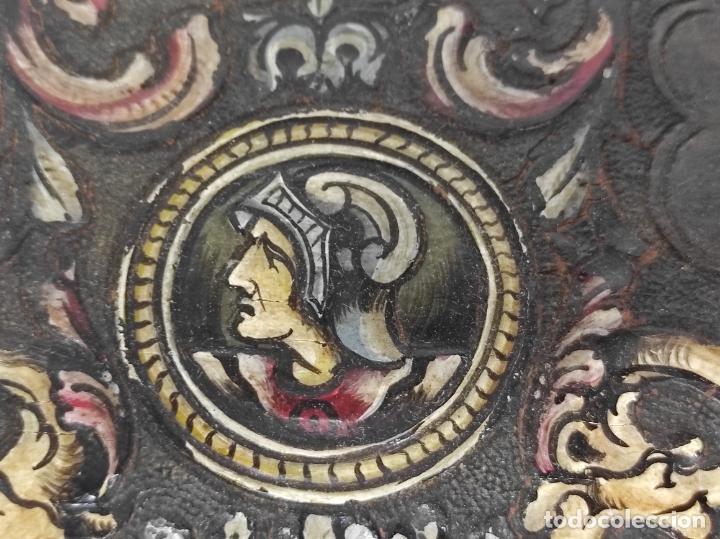 Antigüedades: Bonita Caja, Joyero Estilo Renacimiento - Madera y Cuero Policromado - Pies de Garra en Bronce - Foto 8 - 288487663