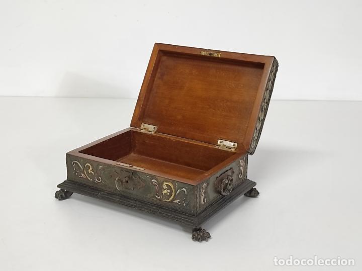 Antigüedades: Bonita Caja, Joyero Estilo Renacimiento - Madera y Cuero Policromado - Pies de Garra en Bronce - Foto 21 - 288487663