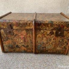 Antigüedades: BAUL ANTIGUO FIN S XIX FORRADO CROMOS INFANTILES 45X83X52CMS. Lote 288510358