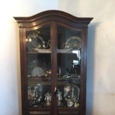 Antigüedades: VITRINA RINCONERA ANTIGUA.. Lote 288515023