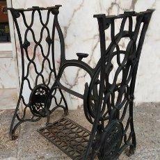 Antigüedades: BASE DE MÁQUINA DE COSER SINGER. Lote 288539273