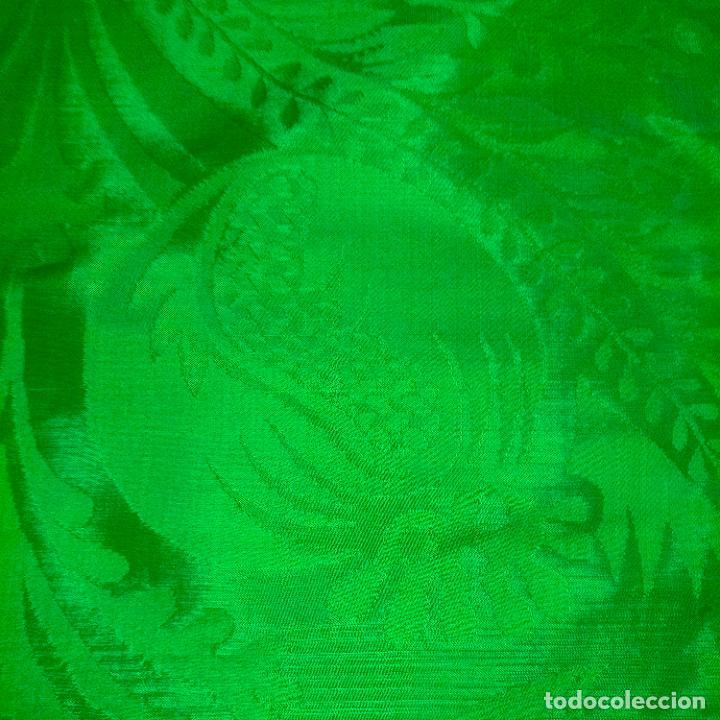 Antigüedades: ANTIGUO DAMASCO SEDA VERDE CON DIBUJOS CLASICOS DE GRANADAS IDEAL CASULLA MANTO VIRGEN SEMANA SANTA - Foto 8 - 288554628