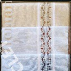 Antigüedades: CAJA DE 3 PAÑUELOS CABALLERO CANELLAS EN ALGODON 100% COLORES- AÑOS 60 DEL SIGLO XX NUEVOS. Lote 288554843