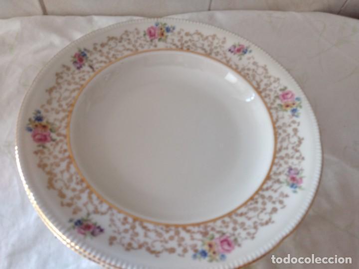 Antigüedades: Lote de 2 preciosos platos hondos de porcelana r bavaria,decorados con flores y oro - Foto 7 - 288570243